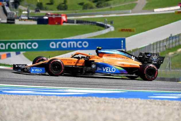 Lando Norris teve de brigar com Carlos Sainz Jr e estabelecer a volta mais rápida da prova para garantir o pódio