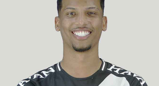 Laranjeira - subiu: mostrou presença na área, mobilidade e um chute forte. Passou à frente de Tiago Reis, que terminou a temporada como suplente de Cano.
