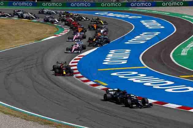 Largada do GP da Espanha teve Hamilton disparando na frente e Valtteri Bottas perdendo duas posições