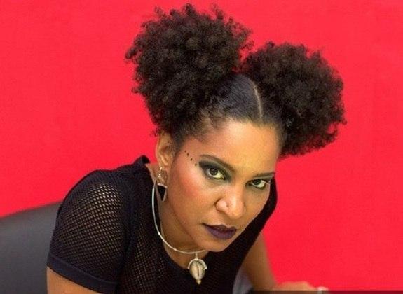 Larissa Luz - Nascida em Salvador Bahia  - Time que torce: Bahia