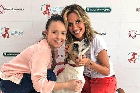 Atriz adotou cachorrinha no início do ano, em São Paulo
