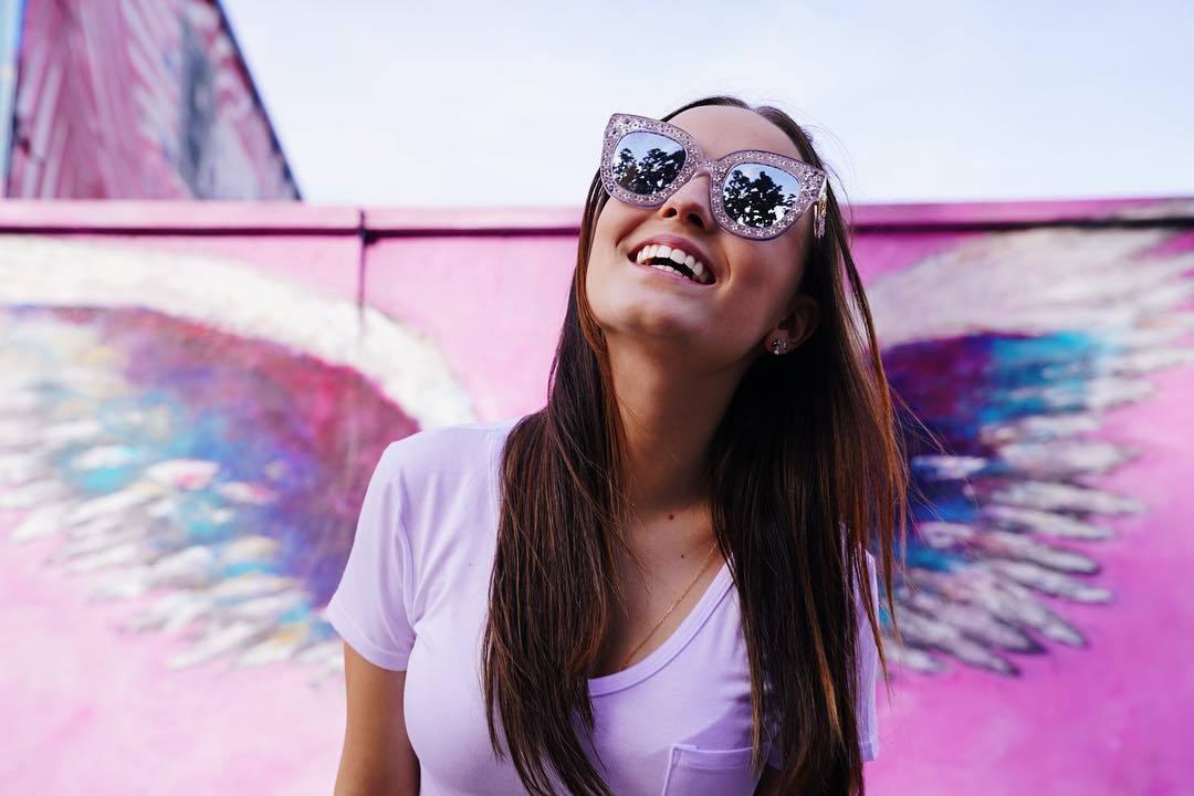 ... Larissa Manoela completa 18 anos nesta sexta-feira (28) e tem motivos  de  Larissa começou na TV cedo ... ce5580e487