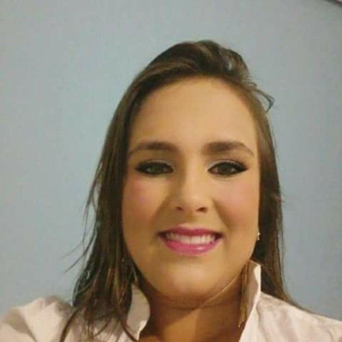Aos 26 anos, Larissa Vargas irá prestar o Enem pela primeira vez