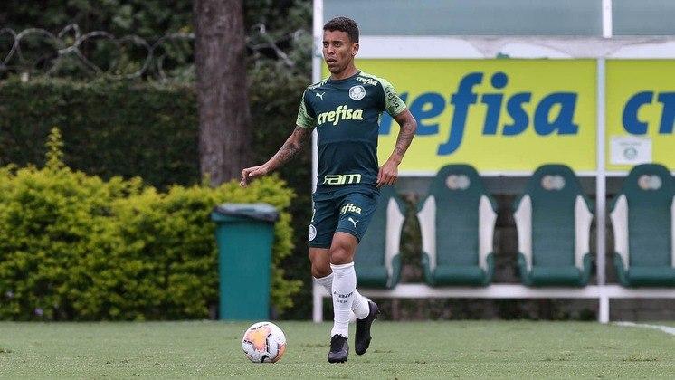 LATERAL-DIREITO: Marcos Rocha – presente em nove dos 12 jogos disputados até agora neste ano, o lateral-direito certamente estaria entre os 11 titulares.