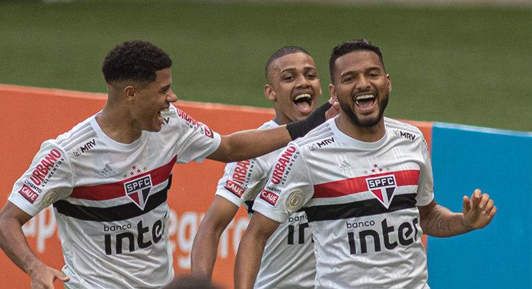 Lateral-esquerdo: Reinaldo (São Paulo)