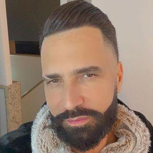 Latino revelou que escreveu hit após separação