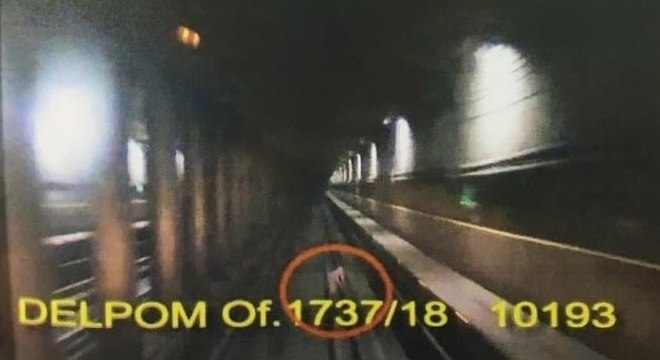 Imagem de laudo mostra criança caída nos trilhos do Metrô de SP