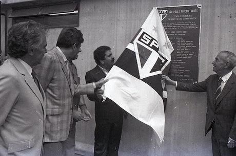 Natel (à direita), na inauguração do CT do São Paulo