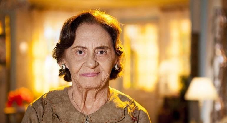 Fora do ar, Laura Cardoso, 93 anos, contratada da Globo, ainda quer fazer muitas novelas