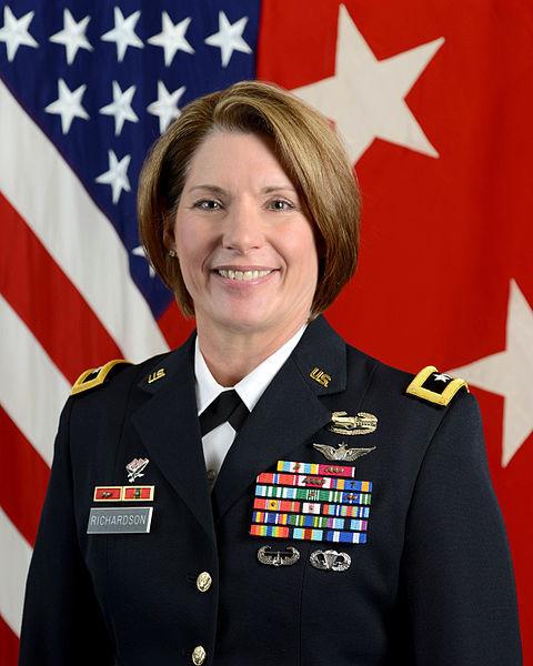 Uma mulher vai liderar o maior comando do Exército dos EUA