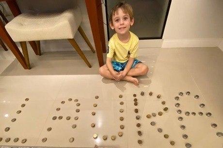 Com apenas 5 anos, Pedro quis ajudar com seu próprio dinheiro