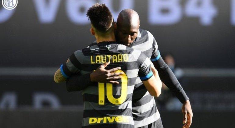 Lautaro Martínez e Romelu Lukaku, da Internazionale