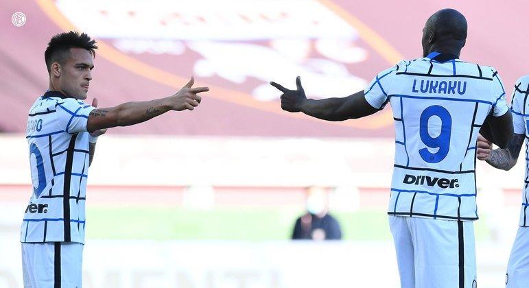 Dupla Lautaro e Lukaku resolve e Inter bate o Torino no Italiano