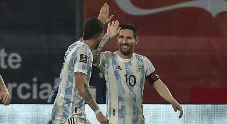 Lautaro Martínez e Lionel Messi. da Argentina