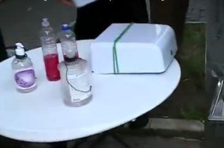 Feiras livres de SP têm agora lavatório para clientes