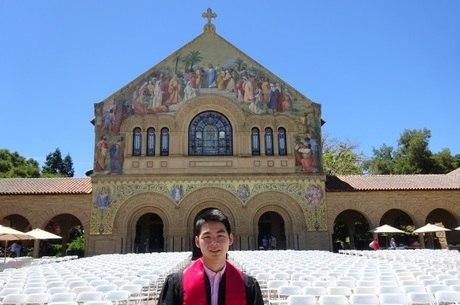 Law na formatura na Universidade de Stanford