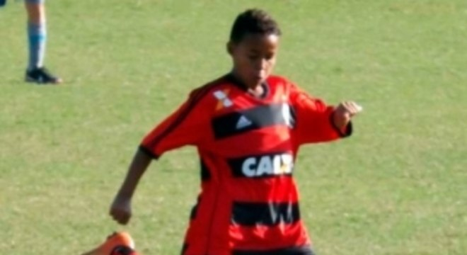 Lázaro está na base do Flamengo há muitos anos