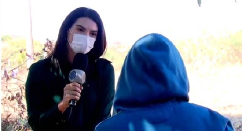 Com o rosto coberto, Luana concedeu entrevista à Record TV
