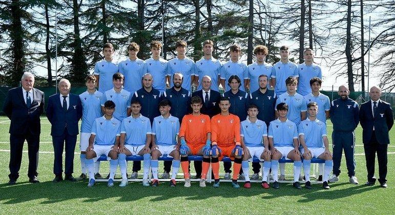 Romano, no Sub-18 da Lazio, o segundo, no alto, da esquerda para a direira