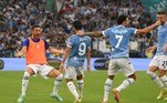 E teve gol brasileiro no Derby de Roma! Felipe Anderson fechou a vitória de 3 a 2 da Lazio contra a Roma. Os outros gols da equipe da casa foram marcados por Savic e Pedro. Ibanez e Veretout marcaram para o time comandado por José Mourinho
