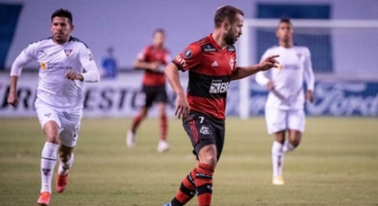 Everton Ribeiro deu assistência e foi importante para o Flamengo