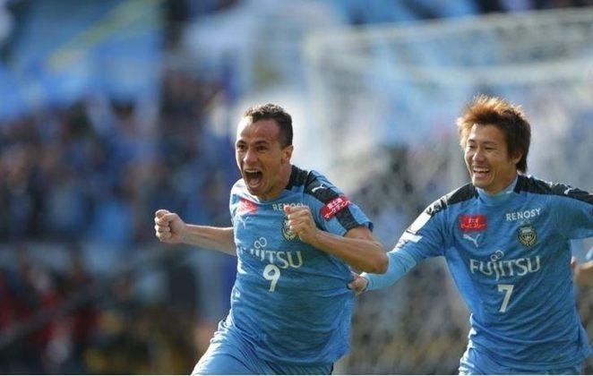 Leandro Damião (31 anos) - atacante - Time: Kawasaki Frontale - contrato até janeiro de 2022