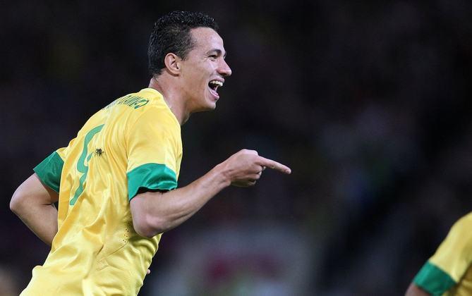 Leandro Damião foi o artilheiro da Olimpíada de Londres, com seis gols marcados. O Brasil terminou com a prata. Damião era jogador do Internacional no período.