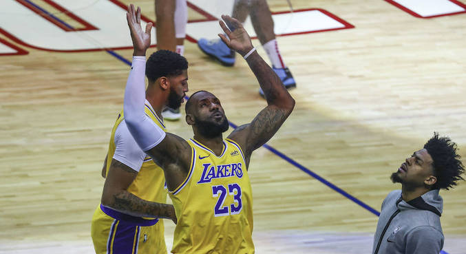 LeBron James comandou vitória do Los Angeles Lakers sobre Houston Rockets