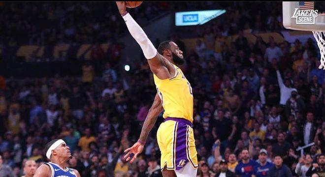 LeBron James é um dos astros que estará presente na volta da NBA