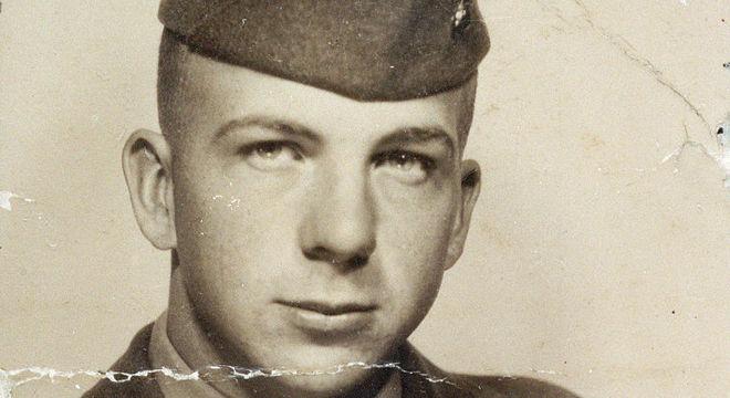 Fotografia foi encontrada na carteira de Oswald no dia em que foi preso