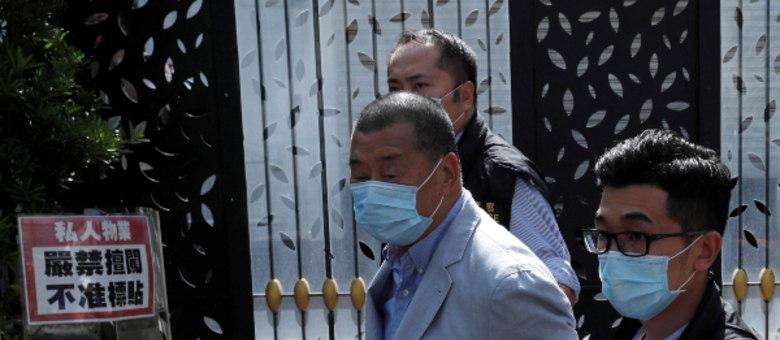 Jimmy Lai é preso pela unidade de segurança nacional em Hong Kong