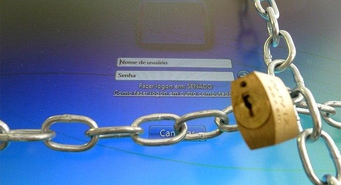 A LGPD tem o objetivo de proteger os clientes contra o uso indevido de informações pessoais