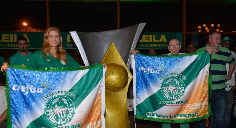 Leila e seu marido ajudaram financeiramente a Mancha Verde a ser campeã do Carnaval paulista