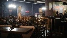 Antes de fechar as portas, bares e restaurantes leiloam até uniformes