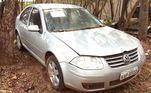 Fabricadoem 2008, já nos moldes do ano seguinte, o Volkswagen Bora aparece sozinho nosexto lote do edital e pode ser levado para casa por quem oferecer um lance apartir de R$ 7.400
