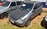 Com aparentes avarias internas, o Chevrolet Corsa GL 1998/1999 está disponível para ser arrematar por, no mínimo, R$ 2.600