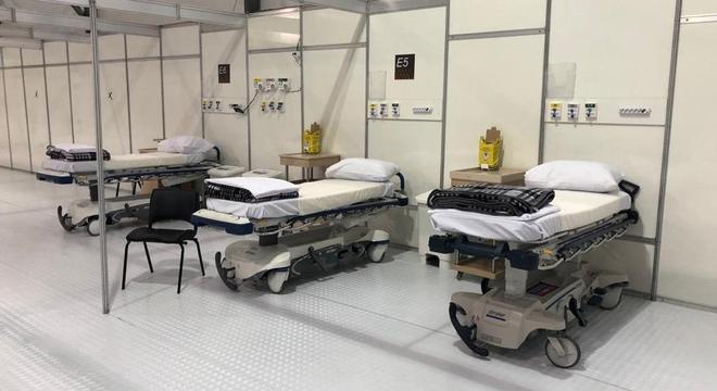 Dos 200 leitos do hospital do Pacaembu, 33 já estão ocupados por pacientes