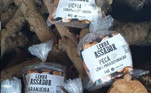 Algumas marcas brasileiras se especializaram em oferecer lenhas frutíferas específicas para defumação. A Toquinhos de Curral, com base no interior de São Paulo, foi uma das pioneiras nesse negócio. Hoje, oferece não apenas lenha de macieira, mas também de outras árvores frutíferas, como nogueira pecã, goiabeira e lichia
