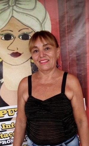Leninha é voluntária na associação de prostitutas na Paraíba