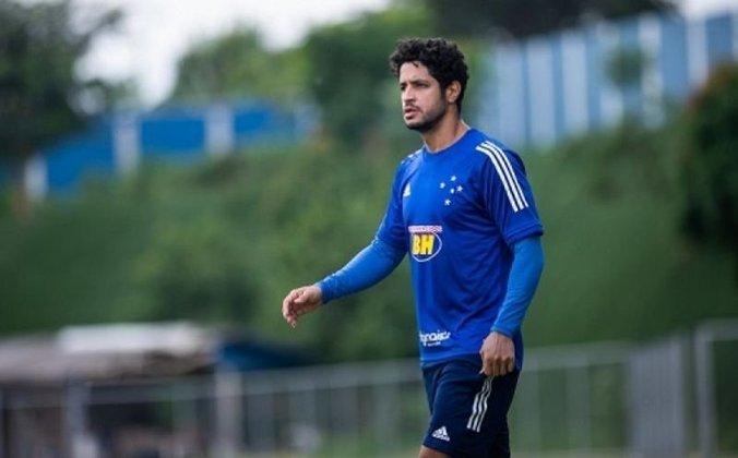 Léo (33 anos) - Zagueiro - Sem time desde maio de 2021 - Último clube: Cruzeiro - Valor de mercado: 1,3 milhões de euros (R$ 8,1 milhões)