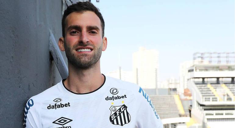 Léo Baptistão é o mais novo reforço do Santos