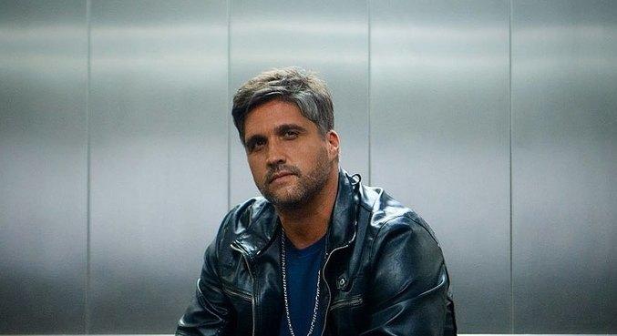 Léo Chaves lança 'Proposta Indecente' nesta sexta-feira (25)