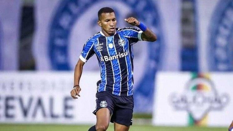 Léo Chú - Clube: Grêmio - Posição: Atacante - Idade: 21 anos - Jogos no Brasileirão 2021: 4 - Situação no clube: concorrência na posição e falta de continuidade.