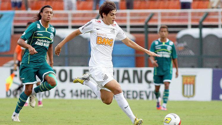 Léo Cittadini - Campeão da Copa São Paulo pelo Santos em 2013, o meia não se firmou no Peixe e, no final de 2018, em fim de contrato com o Santos, assinou com o Athletico-PR sem custo algum.