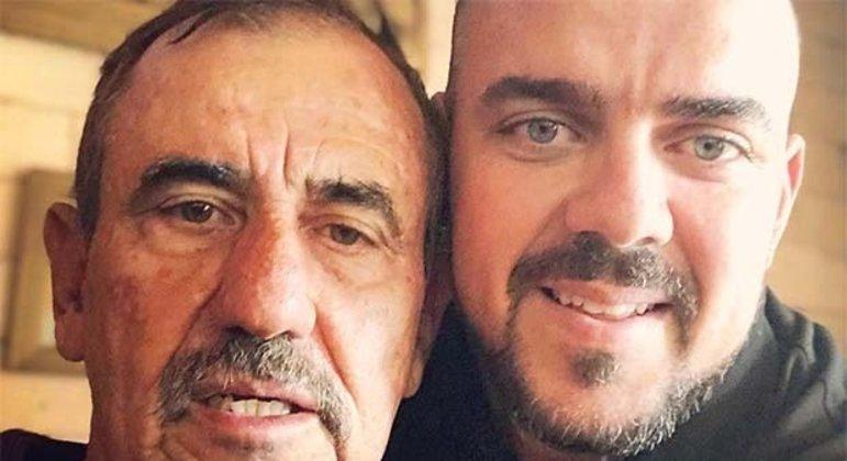 Léo Mendanha ao lado do filho Gustavo Mendanha