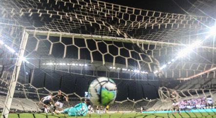 Léo Natel virou a partida na Arena em Itaquera