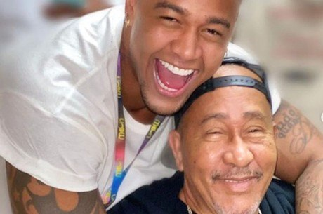 Pai de Léo Santana morreu de infarto fulminante