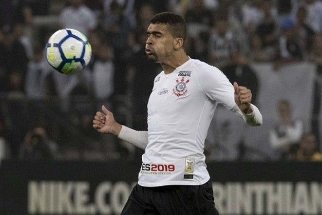 Léo Santos - contrato até 31/12/2023 - clube tem 70% dos direitos econômicos