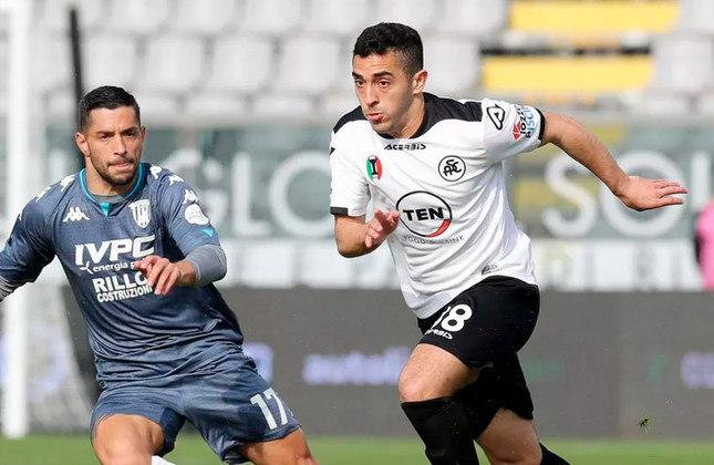 Léo Sena - Time: Spezia (Itália) - Posição: Meia - Idade: 25 anos - Contrato até: 15/05/2025