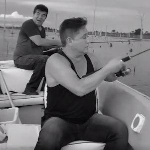 Leonardo e Passim em pescaria